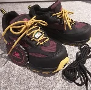 Women's steel toed work sneaker